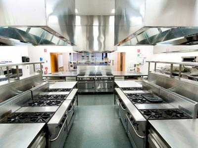 State of the art kitchen facilities can be found in many colleges.  Photo credit: William Angliss Institute.