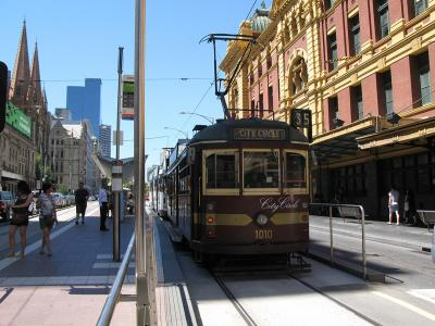 Melbourne city tram. Photo credit: Rhiannon Davies