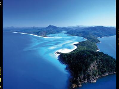 The Whitsunday Islands. Photo credit: Tourism Australia