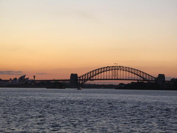 Sydney Harbour Bridge at sunset. Photo credit: Rhiannon Davies