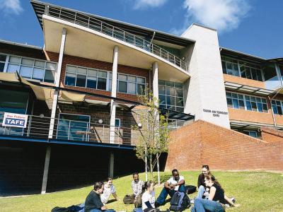 TAFE NSW students at the Riverina campus. Photo credit: TAFE NSW