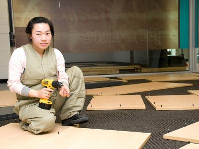 Learn all the skills you need to work as a professional carpenter. Photo credit: Holmesglen Institute