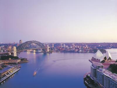 Sydney Harbour.  Photo credit: Tourism Australia.