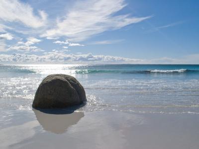 Bay of Fires.  Photo credit: Tourism Australia copyright.